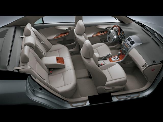 Toyota Corolla Altis Interior 2013 Corolla Altis Interior